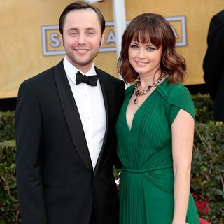 Vincent Kartheiser, Alexis Bledel in 19th Annual Screen Actors Guild Awards - Arrivals