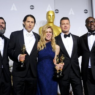 Anthony Katagas, Jeremy Kleiner, Dede Gardner, Brad Pitt, Steve McQueen in The 86th Annual Oscars - Press Room