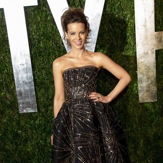Kate Beckinsale in 2013 Vanity Fair Oscar Party - Arrivals