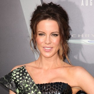 Kate Beckinsale in Los Angeles Premiere of Total Recall