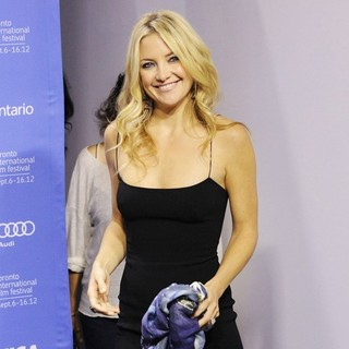 Kate Hudson in 2012 Toronto Film Festival - The Reluctant Fundamentalist - Photocall - kate-hudson-2012-toronto-film-festival-03