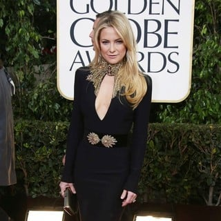 Kate Hudson in 70th Annual Golden Globe Awards - Arrivals - kate-hudson-70th-annual-golden-globe-awards-02