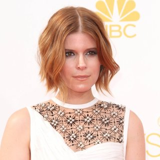 Kate Mara in 66th Primetime Emmy Awards - Arrivals - kate-mara-66th-primetime-emmy-awards-01