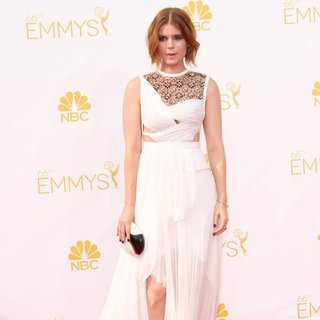 Kate Mara in 66th Primetime Emmy Awards - Arrivals - kate-mara-66th-primetime-emmy-awards-02