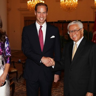 Kate Middleton, Prince William, Tony Tan, Mary Chee Bee Kiang in A State Dinner Hosted by The President of Singapore