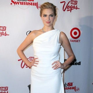 Kate Upton in Sports Illustrated and The LVCVA Host Club SI Swimsuit - Arrivals