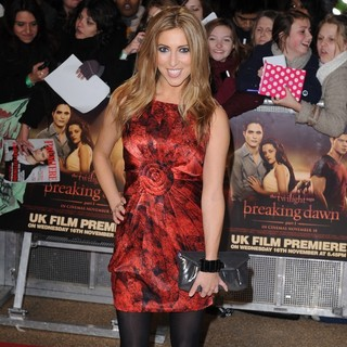Kate Walsh (II) in The Twilight Saga's Breaking Dawn Part I UK Film Premiere - Arrivals