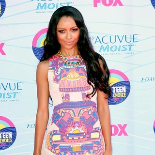Katerina Graham in The 2012 Teen Choice Awards - Arrivals