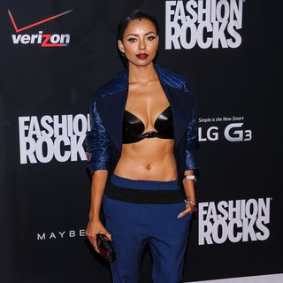 Katerina Graham in Fashion Rocks 2014 - Red Carpet Arrivals - katerina-graham-fashion-rocks-2014-02