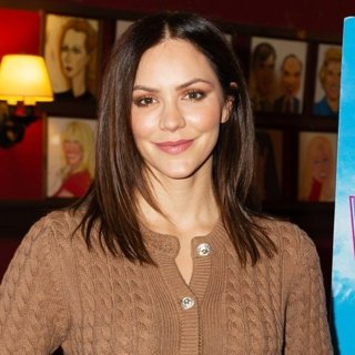 Photocall for Katharine McPhee Returns to WAITRESS on Broadway
