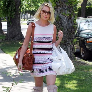 Katherine Heigl Arrives for A Mother's Day Party