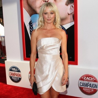 Katherine LaNasa in Los Angeles Premiere of The Campaign - Arrivals