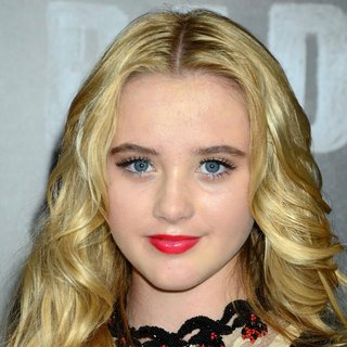 Kathryn Newton in World Premiere of Bad Teacher - Arrivals