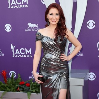 Katie Armiger in 48th Annual ACM Awards - Arrivals
