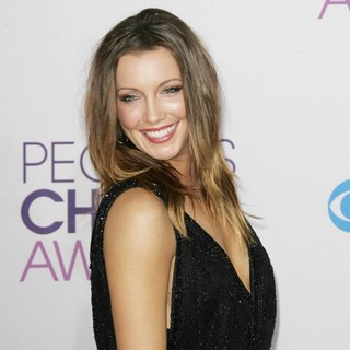 Katie Cassidy in People's Choice Awards 2013 - Red Carpet Arrivals - katie-cassidy-people-s-choice-awards-2013-01