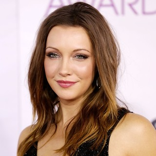 Katie Cassidy in People's Choice Awards 2013 - Red Carpet Arrivals - katie-cassidy-people-s-choice-awards-2013-03