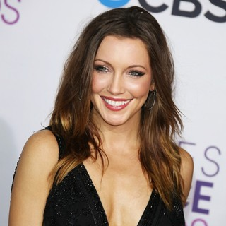 Katie Cassidy in People's Choice Awards 2013 - Red Carpet Arrivals - katie-cassidy-people-s-choice-awards-2013-05