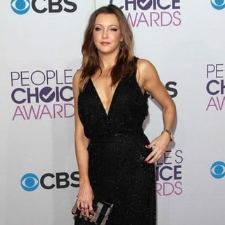 Katie Cassidy in People's Choice Awards 2013 - Red Carpet Arrivals - katie-cassidy-people-s-choice-awards-2013-06