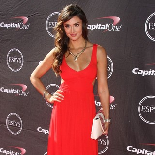 Katie Cleary in The 2013 ESPY Awards