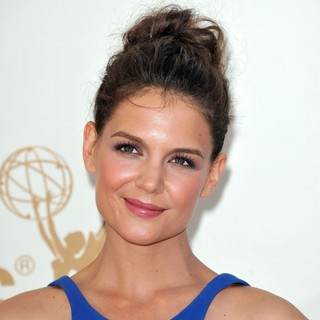 Katie Holmes in The 63rd Primetime Emmy Awards - Arrivals - katie-holmes-63rd-primetime-emmy-awards-03
