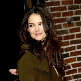 Katie Holmes in The Late Show with David Letterman - Arrivals - katie-holmes-late-show-with-david-letterman-03