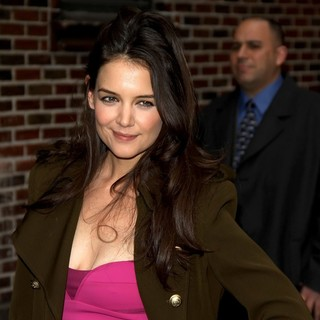 Katie Holmes in The Late Show with David Letterman - Arrivals - katie-holmes-late-show-with-david-letterman-04