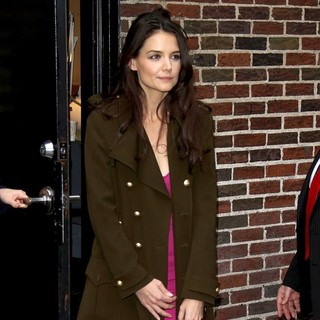 Katie Holmes in The Late Show with David Letterman - Arrivals