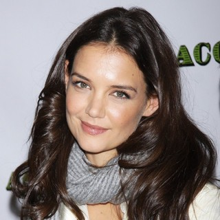 Katie Holmes in Meet and Greet for The Broadway Comedy Dead Accounts - katie-holmes-meet-and-greet-dead-accounts-02