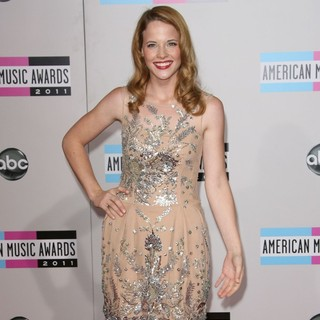 Katie Leclerc in 2011 American Music Awards - Arrivals