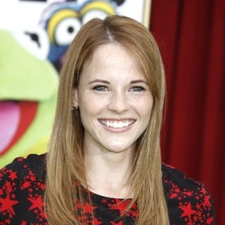 Katie Leclerc in The Premiere of Walt Disney Pictures' The Muppets - Arrivals - katie-leclerc-premiere-the-muppets-01