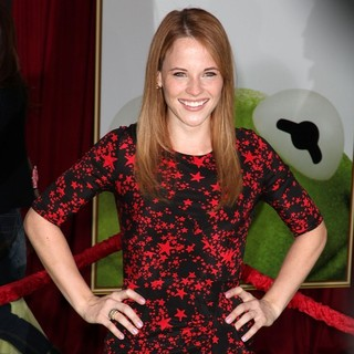 Katie Leclerc in The Premiere of Walt Disney Pictures' The Muppets - Arrivals - katie-leclerc-premiere-the-muppets-02