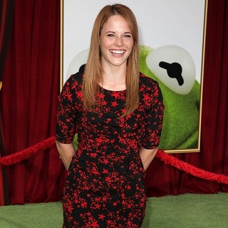 Katie Leclerc in The Premiere of Walt Disney Pictures' The Muppets - Arrivals - katie-leclerc-premiere-the-muppets-03