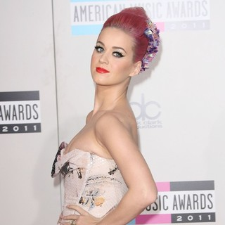 Katy Perry in 2011 American Music Awards - Arrivals