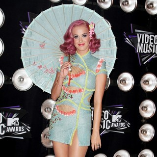 Katy Perry in 2011 MTV Video Music Awards - Arrivals