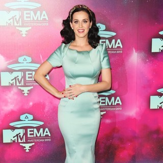 Katy Perry in 20th MTV Europe Music Awards - Arrivals