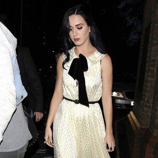 Katy Perry in Katy Perry at Market Cafe Hackney