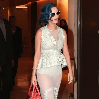 Katy Perry - Katy Perry Leaving Her Hotel
