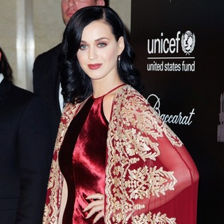 Katy Perry - The U.S. Fund for UNICEF Hosts Its Ninth Annual UNICEF Snowflake Ball
