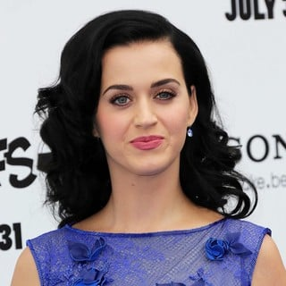 Katy Perry in The Los Angeles Premiere of The Smurfs 2 - Arrivals
