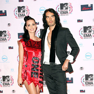 Katy Perry, Russell Brand in MTV Europe Music Awards 2010 - Arrivals