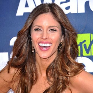 Kayla Ewell in 2011 MTV Movie Awards - Arrivals