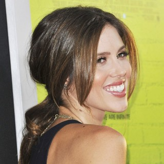Kayla Ewell in The Los Angeles Premiere of The Perks of Being a Wallflower - Arrivals