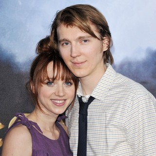 Zoe Kazan, Paul Dano in Cowboys and Aliens Premiere - Arrivals