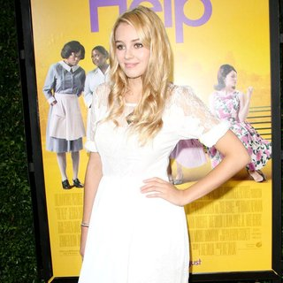 Keeley Hazell in World Premiere of The Help