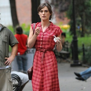 Keira Knightley in On The Set of Movie Can a Song Save Your Life? - keira-knightley-set-can-a-song-save-your-life-03