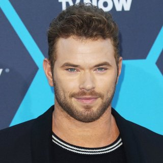 Kellan Lutz - The 16th Annual Young Hollywood Awards - Arrivals