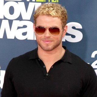Kellan Lutz in 2011 MTV Movie Awards - Arrivals