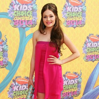 Kelli Berglund in Nickelodeon's 27th Annual Kids' Choice Awards - Arrivals