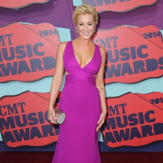 Kellie Pickler in 2014 CMT Music Awards - Arrivals - kellie-pickler-2014-cmt-music-awards-02