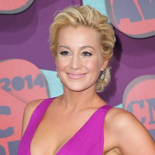Kellie Pickler in 2014 CMT Music Awards - Arrivals - kellie-pickler-2014-cmt-music-awards-03
